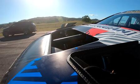 El Subaru WRX STI de Travis Pastrana contra un Jeep Cherokee Trackhawk de 1.094 CV: vídeo