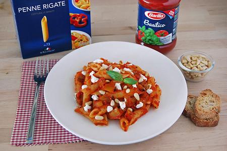 Penne con salsa Basilico Barilla, berenjena y ricotta salada. Receta