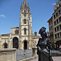Estatua de La Regenta (Oviedo, España)