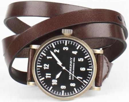 Reloj de cuero de Burberry
