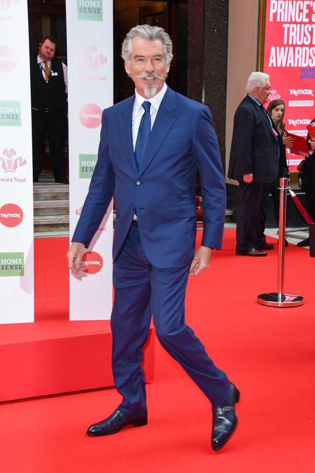 Pierces Brosnan Grooming Mustache Red Carpet Trendencias Hombre 02