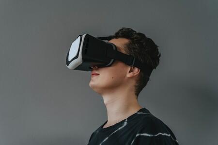Sensores LiDAR, 12 cámaras y hasta pantallas 8K por 3,000 dólares: el visor de Apple empieza a tomar forma, según The Information