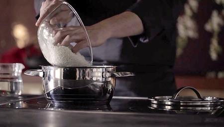 Cómo cocer el arroz para hacer sushi