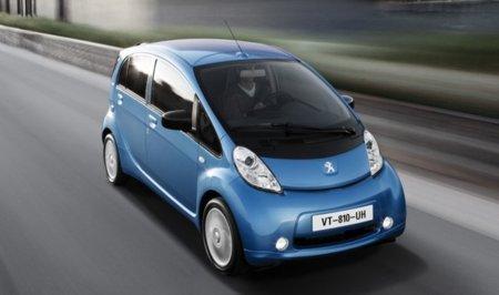 Peugeot iOn azul