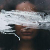 Cómo convertimos la tristeza en un trastorno psiquiátrico y por qué ha sido una pésima idea