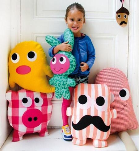 La hermosa selecci n de cojines con divertidas formas para - Telas con dibujos infantiles ...