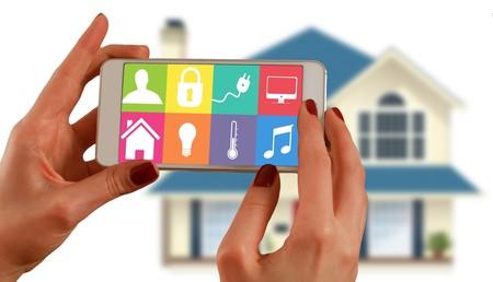 Tecnología que se adapta a nuestras nuevas rutinas: YoloDoor, la puerta que recibe paquetes