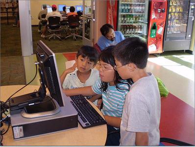 Cuando los niños miran vídeos en You Tube, están a pocos clics de visualizar contenidos inapropiados
