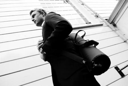 Suitroller, un elegante porta-trajes en forma de rollo