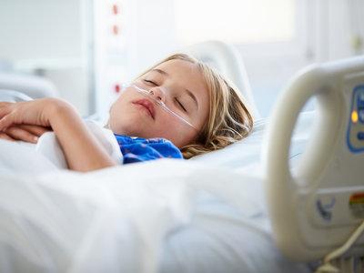 Ninguno de los dos estaba vacunado: muere una chica de 17 años de sarampión, contagiada por un bebé de 13 meses