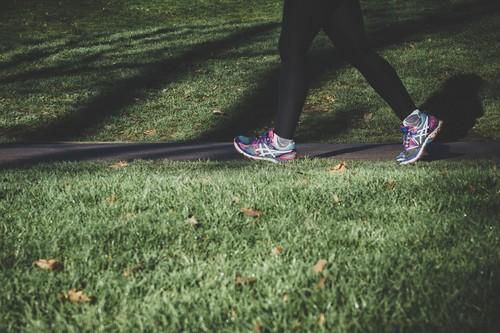 Los beneficios de la caminata a buen paso: un ejercicio al alcance de toda la población