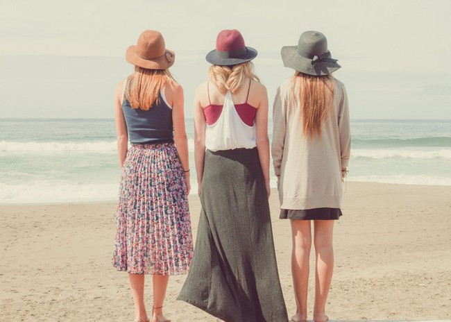 Amigas Playa