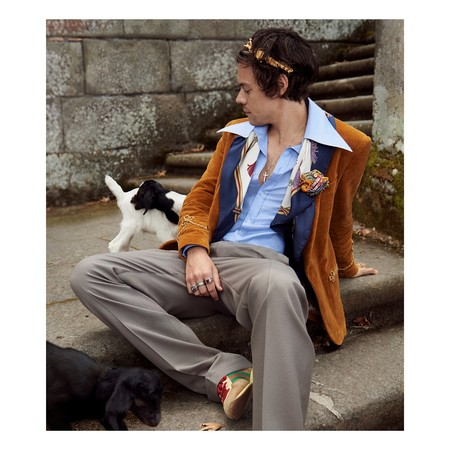 Harry Styles Vuelve A Ser Imagen De Gucci Entre Cerditos Y Cabras Para Su Coleccion Resort