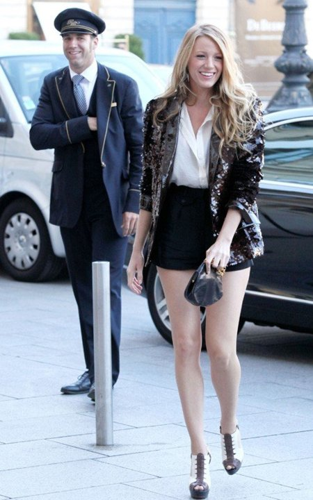 Todos los últimos looks de Blake Lively: una Gossip Girl en París XVII
