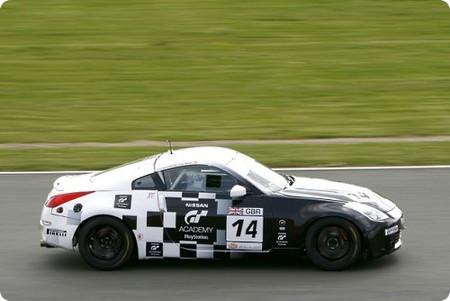 lucas-ordonez-alex-buncombe-rjn-motorsport-nissan-350z-gt4-silverstone09.jpg