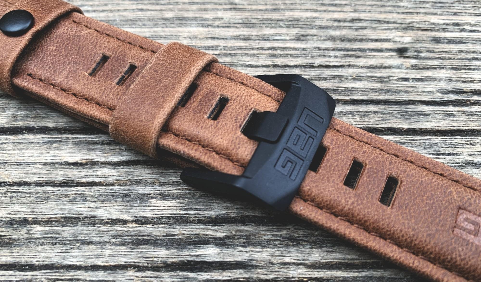 Foto de UAG Leather Strap para Apple Watch (16/18)