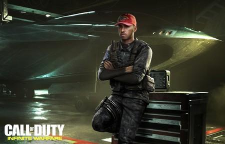 Lewis Hamilton sale en Call of Duty: Infinite Warfare. Sí, ese Lewis Hamilton