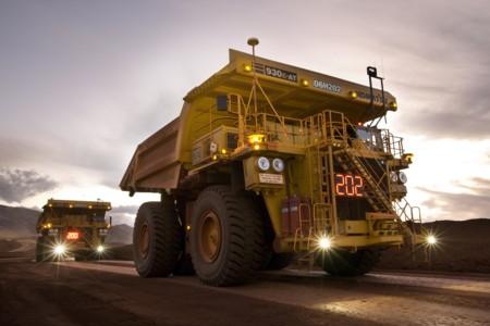En esta mina nadie conduce los camiones, ellos se mueven solos