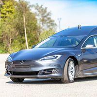 Ya puedes disfrutar de un Tesla Model S convertido en coche fúnebre por 'tan solo' 185.000 euros