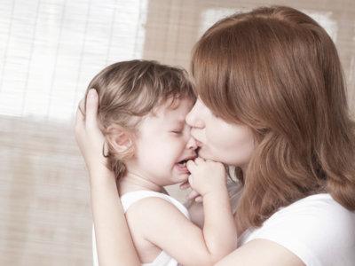 El enterovirus que dejó tetrapléjica a una niña en febrero no es el mismo que actúa ahora en Cataluña