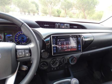 Pantalla Prueba Toyota Hilux Interiores