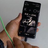 Google fabrica un cable de auriculares que detecta gestos para controlar la música