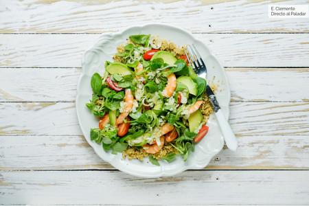 Ensalada al estilo asiático de quinoa y gambas