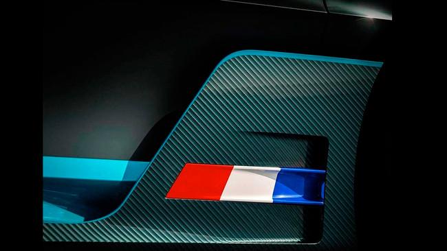 Bugatti continúa despertándonos el apetito con dos nuevos teasers del Divo