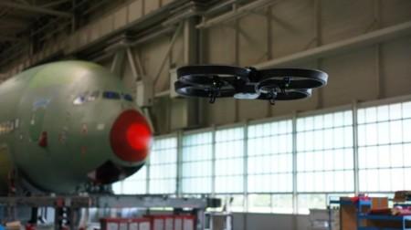"""Parrot le da su AR Drone una """"caja negra"""" y más tiempo de vuelo"""