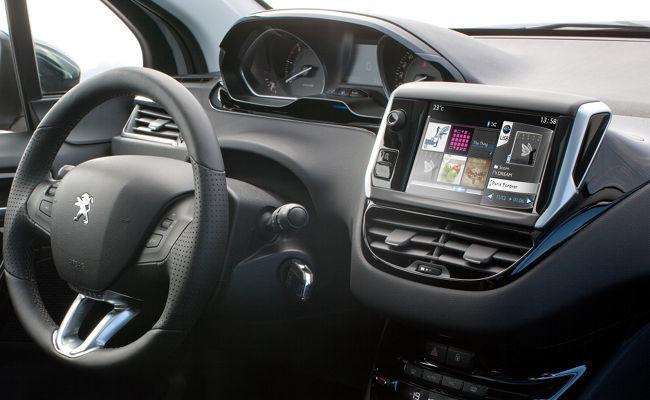 Peugeot 208 display