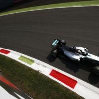 Lewis Hamilton logra un aplastante Grand Chelem en Monza... y asegura medio título