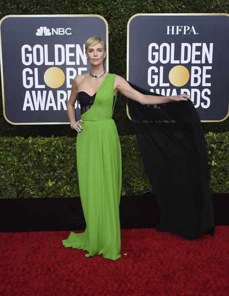 Charlize Theron globos de oro 2020