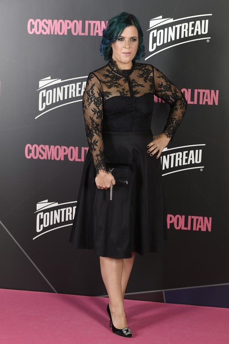 premios cosmopolitan 2017 alfombra roja look estilismo outfit Escritora Elisabet Benavent