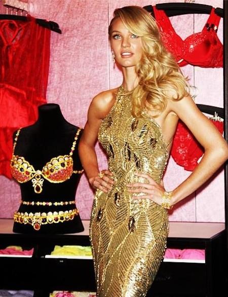 Nadie mejor que Candice Swanepoel para enseñar las joyas de la corona de Victoria's Secret