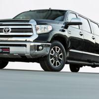 ¿Un Toyota pick-up de ocho puertas? Sólo en el SEMA