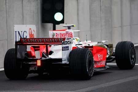 Force India negocia con Mercedes y McLaren