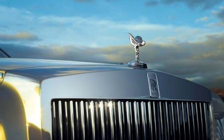 Rolls-Royce considera seriamente fabricar híbridos enchufables para el mercado chino
