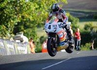 Ian Hutchinson se perderá el TT de la Isla de Man, adiós a seguir haciendo historia