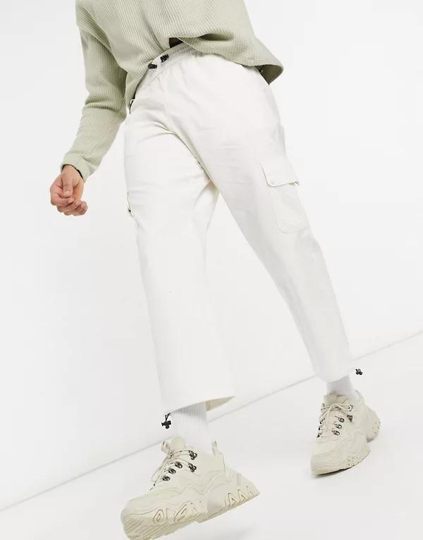 Pantalones color crema utilitarios de Hi-Tec