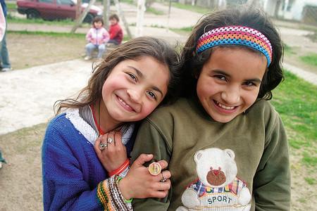 Trece millones de niños en la Unión Europea carecen de elementos necesarios para su desarrollo