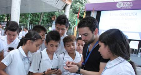 El MinTIC instala un Punto Vive Digital y la primera zona WiFi gratuita en Neiva