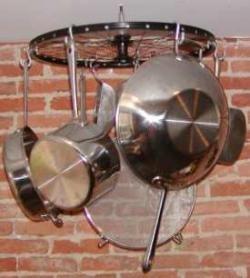 Una rueda de bicicleta para los cacharros de la cocina