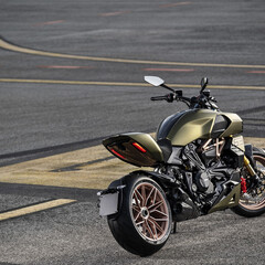 Foto 7 de 10 de la galería ducati-diavel-1260-lamborghini-2021 en Motorpasion Moto