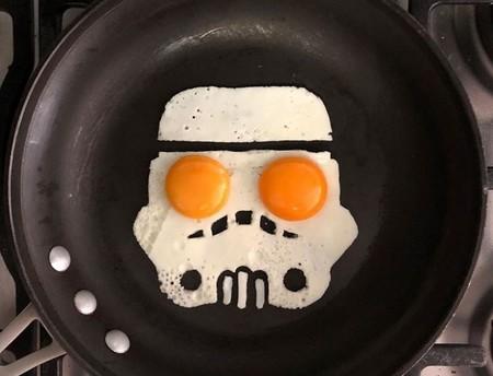 Las increíbles creaciones de The Eggshibit a la hora de freír un huevo