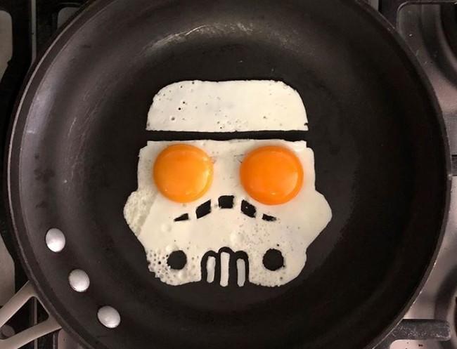 Eggshibit