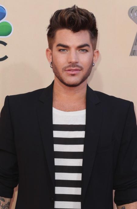 Adam Lambert, abigarrado marinero