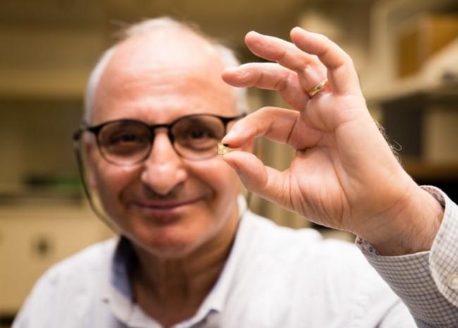 Professor Rachid Yazami His Smart Chip