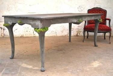 ¿Buena o mala idea? Macetas integradas para llenar de vida los muebles de hormigón
