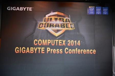 GIGABYTE celebra récord mundial en DDR3 @ 4.5 GHz con Z97X-SOC FORCE LN2