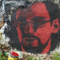 Smurf Suite: Snowden destapa el software de la NSA británica para controlar cualquier móvil